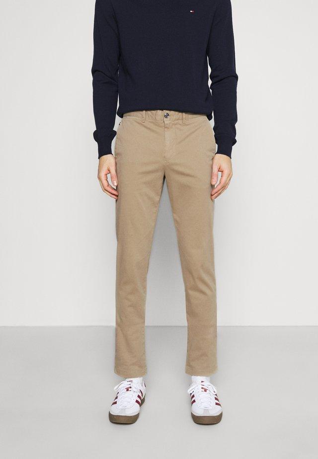 BLEECKER FLEX - Kalhoty - beige