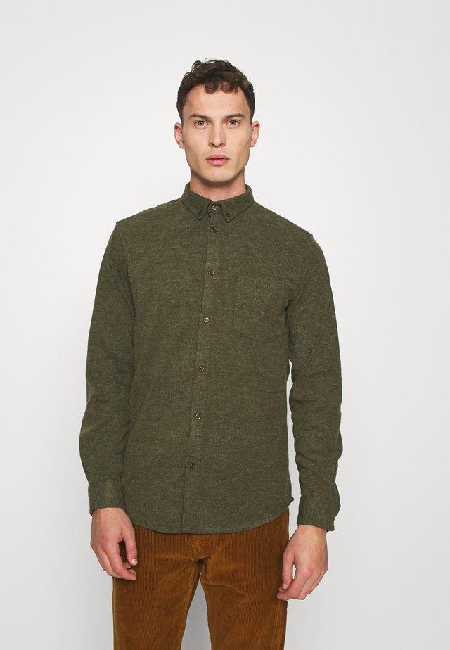 JOHAN PEEL - Overhemd - army