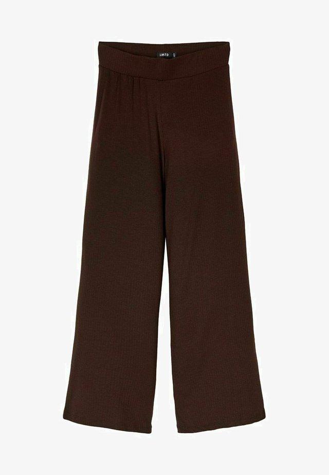 MIT WEITEM BEIN - Pantaloni - chestnut