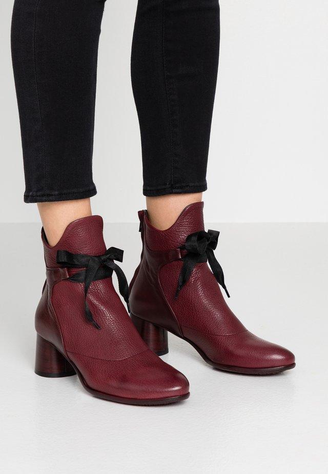 LUNA - Kotníkové boty - matix magenta