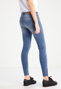 ONLY - ONLKENDELL - Jeans Skinny Fit - medium blue denim