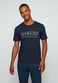 BOSS - TEE PIXEL  - Print T-shirt - dark blue - 0