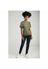 NAF NAF - Basic T-shirt - green - 1