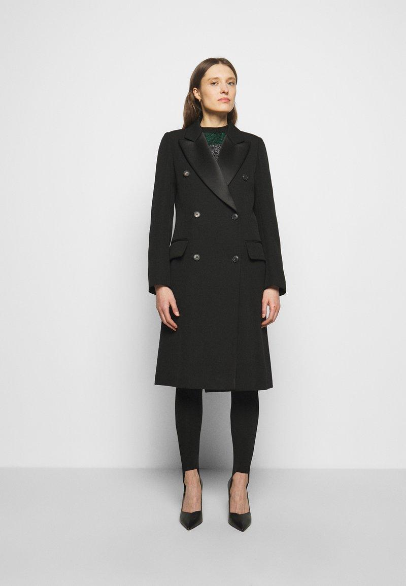 Victoria Beckham - DOUBLE BREASTED TUXEDO COAT - Klasický kabát - black