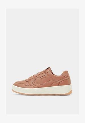 Sneakers laag - blush