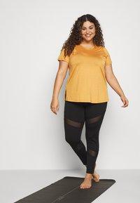 Active by Zizzi - AMAYS - Camiseta estampada - olden yellow - 1