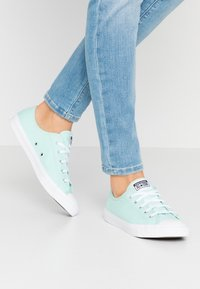 Converse - CHUCK TAYLOR ALL STAR DAINTY SEASONAL - Zapatillas - ocean mint/white - 0