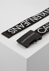 Calvin Klein Jeans - LOGO BELT UNISEX - Pasek - black - 0