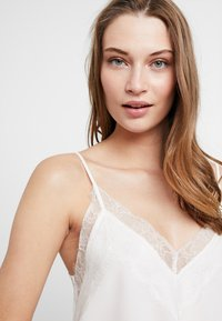 Anna Field - BRIDAL Set - Pyjama top - white - 4