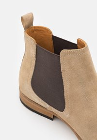Zign - LEATHER - Classic ankle boots - sand - 5
