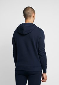 CLOSURE London - DOUBLE SCRIPT HOODY - Jersey con capucha - navy - 2