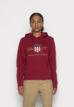 ARCHIVE SHIELD HOODIE - Sweatshirt - mahogny red