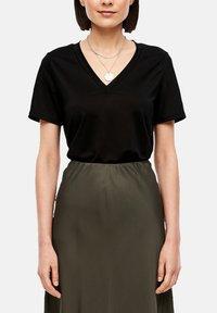 s.Oliver BLACK LABEL - Basic T-shirt - true black - 3