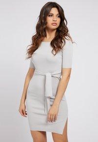 Guess - Shift dress - grau - 0