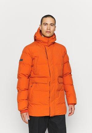 TRAIN HEAVYWEIGHT PUFFER - Winter coat - burnt ochre