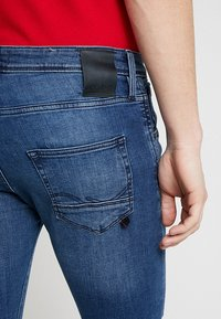 Jack & Jones - JJIGLENN JJFOX  - Slim fit jeans - blue denim - 5
