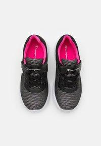 Champion - LOW CUT SHOE SOFTY 2.0 UNISEX - Trainings-/Fitnessschuh - new black - 3
