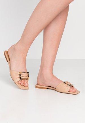 MARGARUITE - Pantofle - natural
