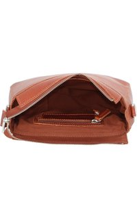 Cowboysbag - Across body bag - cognac - 4