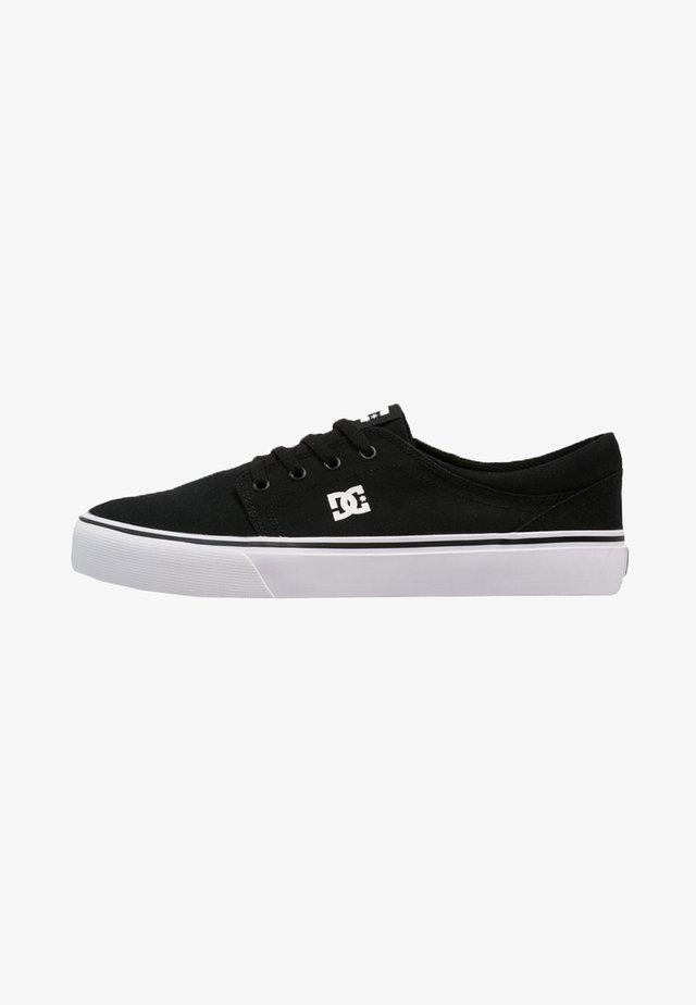 TRASE - Skateboardové boty - black/white