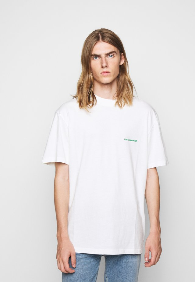 BOXY TEE - T-shirts - off-white