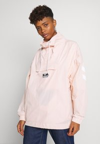 Hummel Hive - CALISTA OVERSIZED ANORAK - Windbreaker - cloud pink - 0