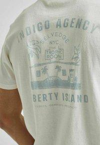 Selected Homme - Print T-shirt - egret - 4