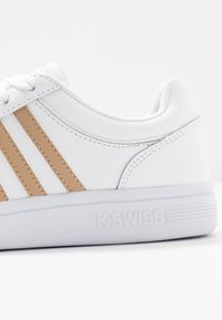 K-SWISS - COURT WINSTON - Trainers - white/nougat - 3