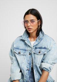 QUAY AUSTRALIA - JEZABELL BLUE LIGHT - Sluneční brýle - pink/light pink - 1