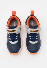 Geox - SPAZIALE BOY - Sneakersy niskie - navy/orange - 3