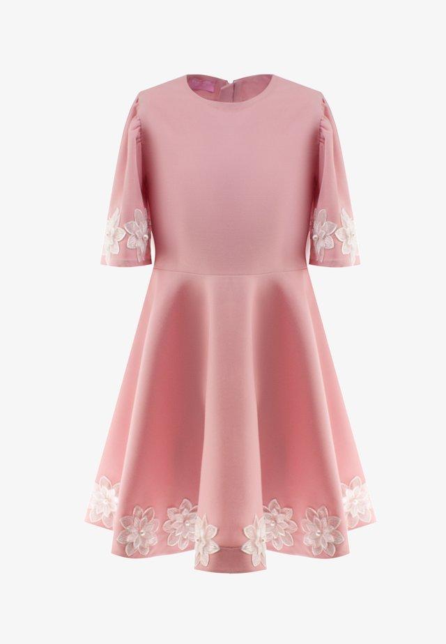 Hverdagskjoler - pink