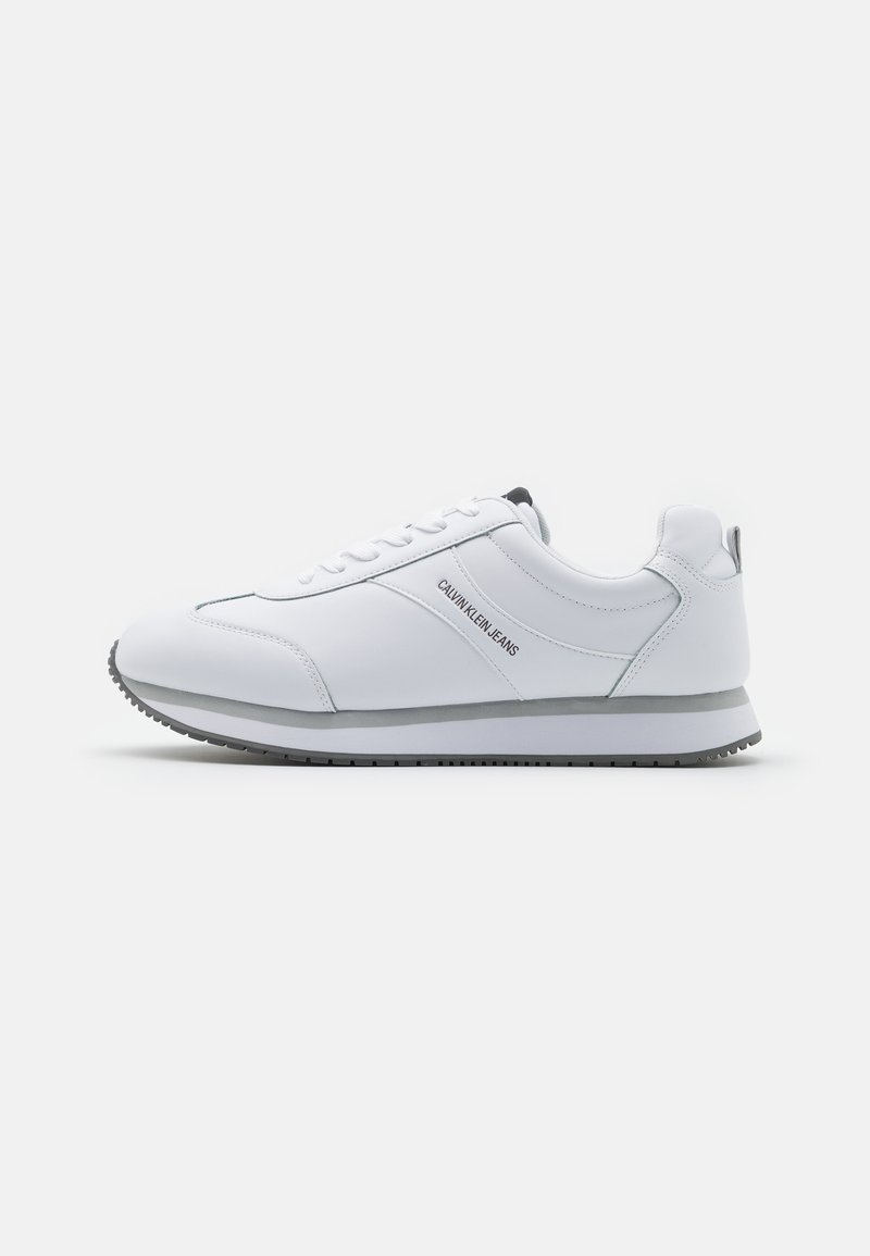 Calvin Klein Jeans - RUNNER LACEUP - Trainers - bright white