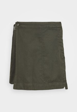 UTILITY WRAP MINI SKIRT - Áčková sukně - olive