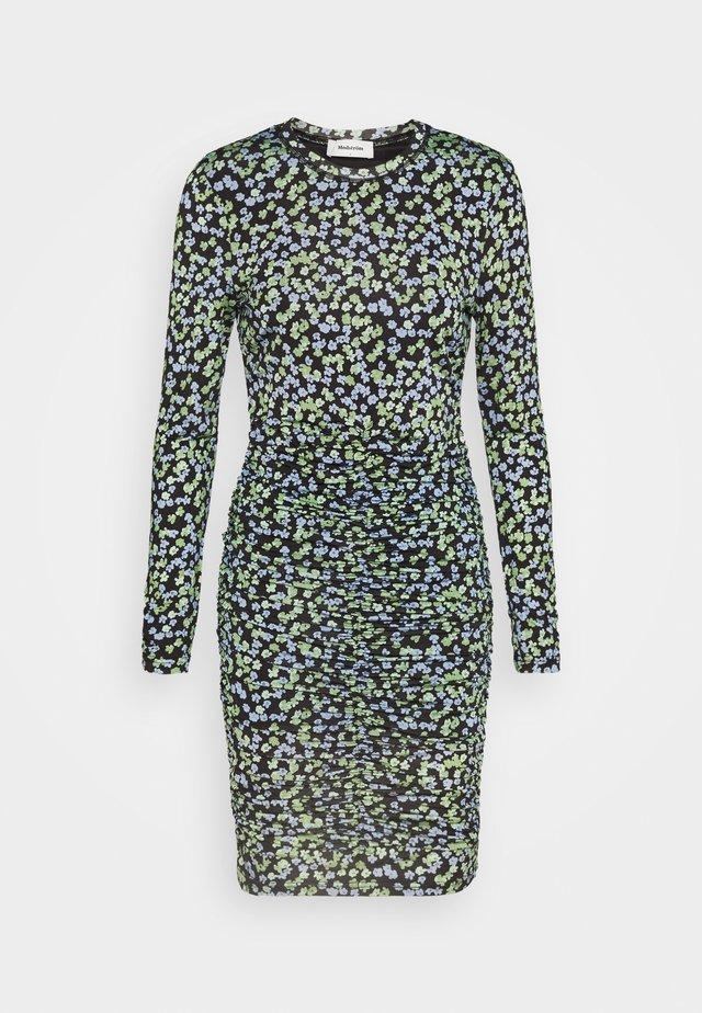 ESSY PRINT DRESS - Fodralklänning - blue