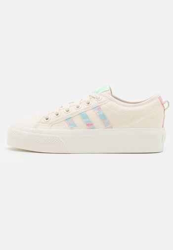 NIZZA PLATFORM  - Sneakers basse - chalk white/frozen green