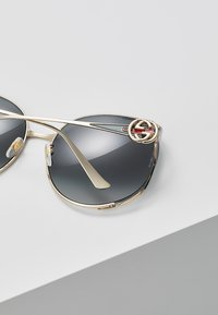 Gucci - Aurinkolasit - gold/grey - 4