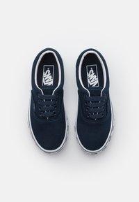Vans - ERA UNISEX - Trainers - dress blue/true white - 3