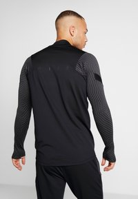 Nike Performance - DRY STRIKE DRILL - Sports shirt - black/anthracite - 2