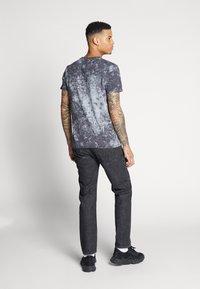 Jack & Jones - JJIMIKE - Jeans slim fit - black denim - 2