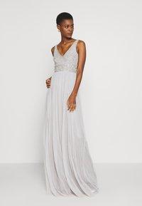 Lace & Beads Tall - MUMULAN MAXI - Galajurk - light grey - 0