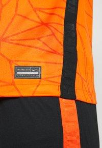 Nike Performance - NIEDERLANDE KNVB HOME - Voetbalshirt - Land - safety orange/black - 5