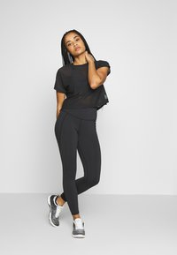Reebok - LUX HIGHRISE - Leggings - black - 1