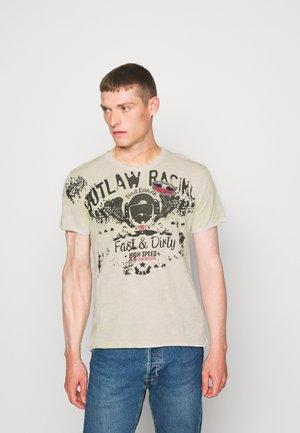 OUTLAW RACING ROUND - Print T-shirt - sharp green