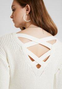 Hollister Co. - BACK DRESS - Abito in maglia - white - 4