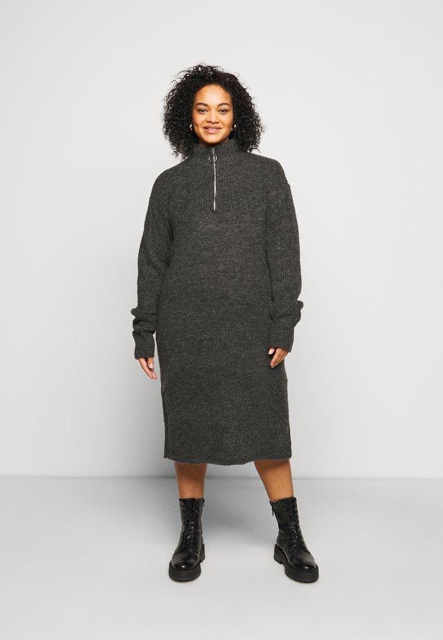 NMDOMINIC KNEE DRESS - Strikkjoler - dark grey melange