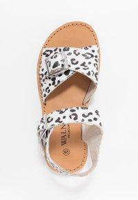 Walnut - RYDER - Sandals - white - 1