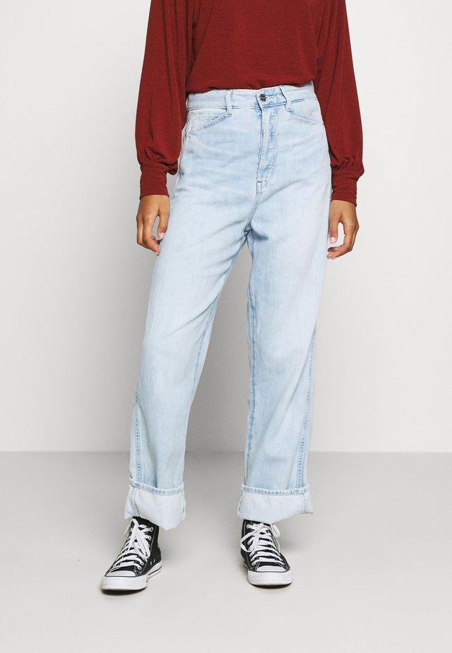 REVYNN ULTRA HIGH BOYFRIEND WMN C - Relaxed fit jeans - sun faded cerulean