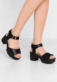 Koi Footwear - VEGAN - Sandales à plateforme - black - 0