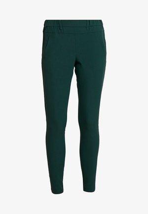 JILLIAN SOFIE  - Trousers - green spuce