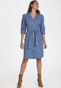 Soaked in Luxury - SLTINATIN - Denim dress - classic blue denim - 1